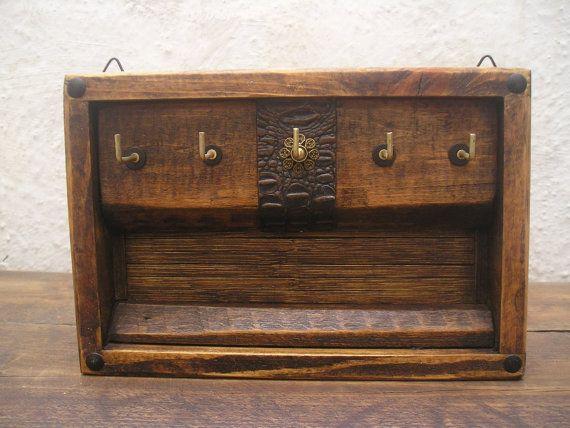 Handmade Rustic Decorative Wooden Wall Hanging Key Rack