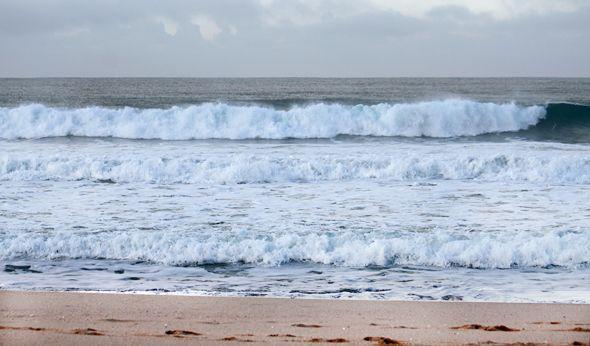fotos de espuma que dejan las olas en el mar - Buscar con Google