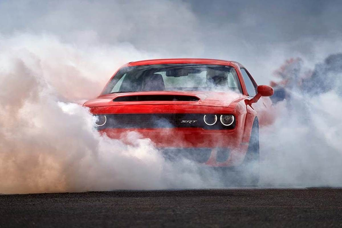 The New Dodge Demon Is Street Legal And Goes From 0 60 In 2 3 Seconds Dodge Challenger Srt Challenger Srt Demon 2018 Dodge Challenger Srt