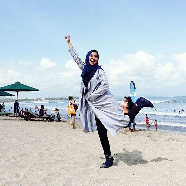 Fashion Hijab Untuk Liburan Ke Pantai