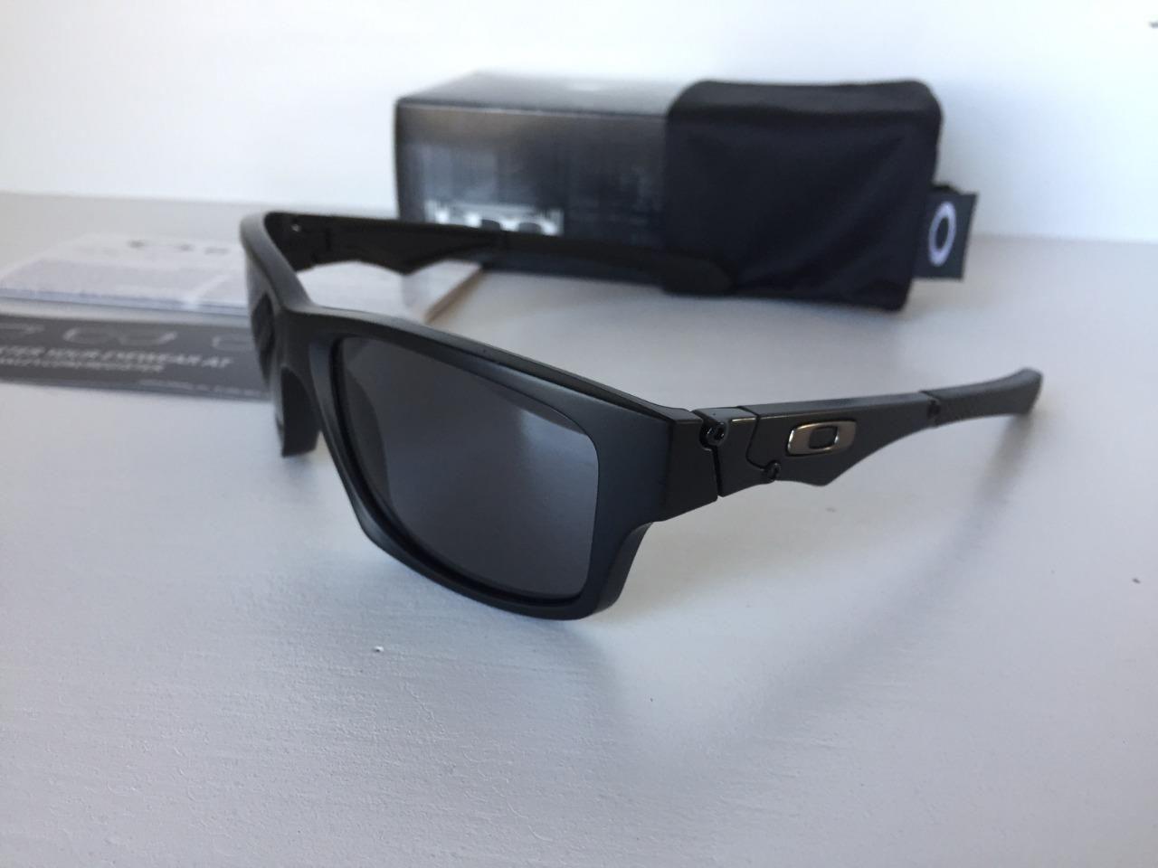 26410e5a18 New Oakley Jupiter Squared Polarized Sunglasses Matte Black Grey OO9135-25