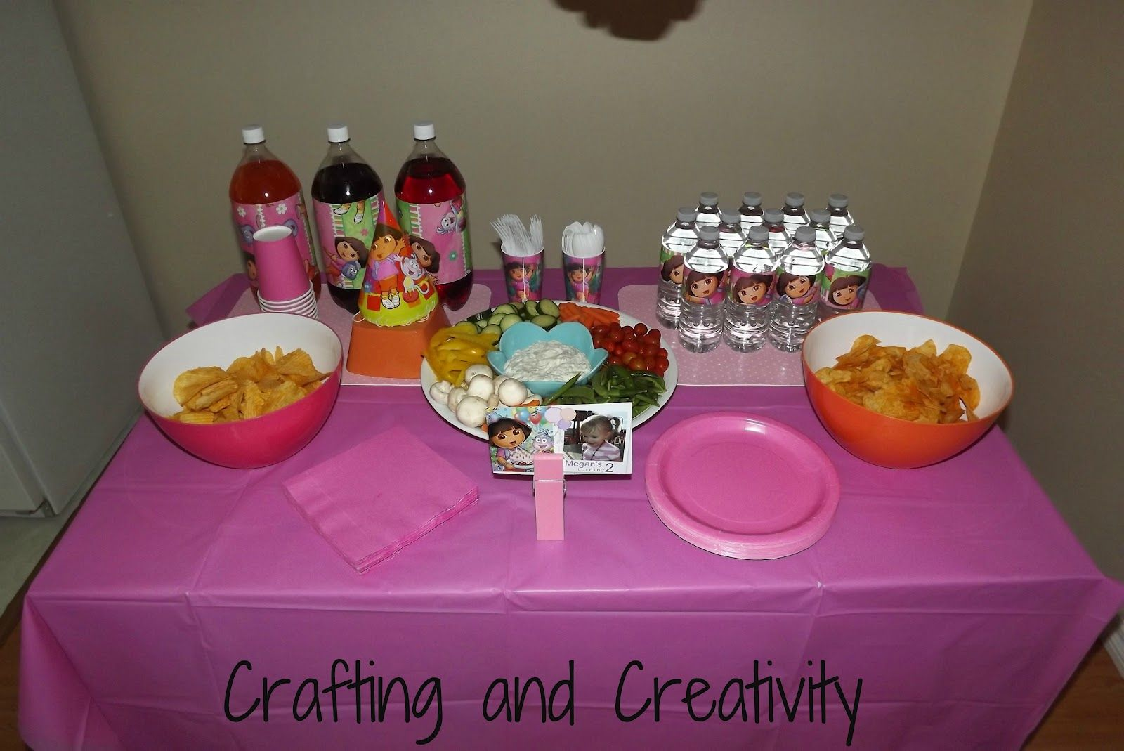 My little girl recently turned 2  and a Dora party seemed the perfect theme for the occasion.    She loves  Dora!     I made & mailed out t...