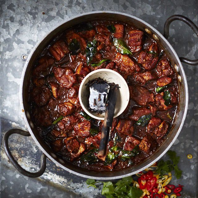 If you tuned in to #Fridaynightfeast this week you will recognise this vindaloo recipe that I cooked up with the loverly @katehudson made with pork belly this hot & smoky curry is not for the faint hearted but definitely one to try! Recipe up on the website guys JO x