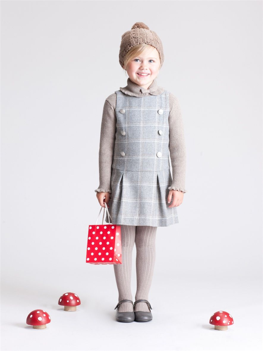 http://www.cyrillus.fr/robe-chasuble-fille-laine-carreaux-gris.htm?ProductId=720250390