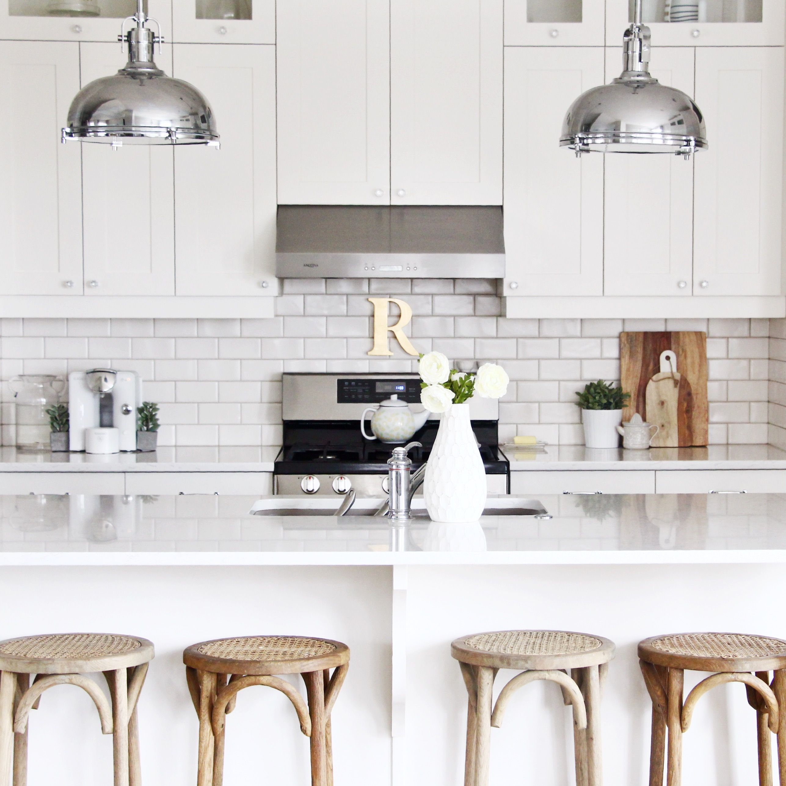 Subway tile kitchen backsplash. All white with gold accents | Modern ...