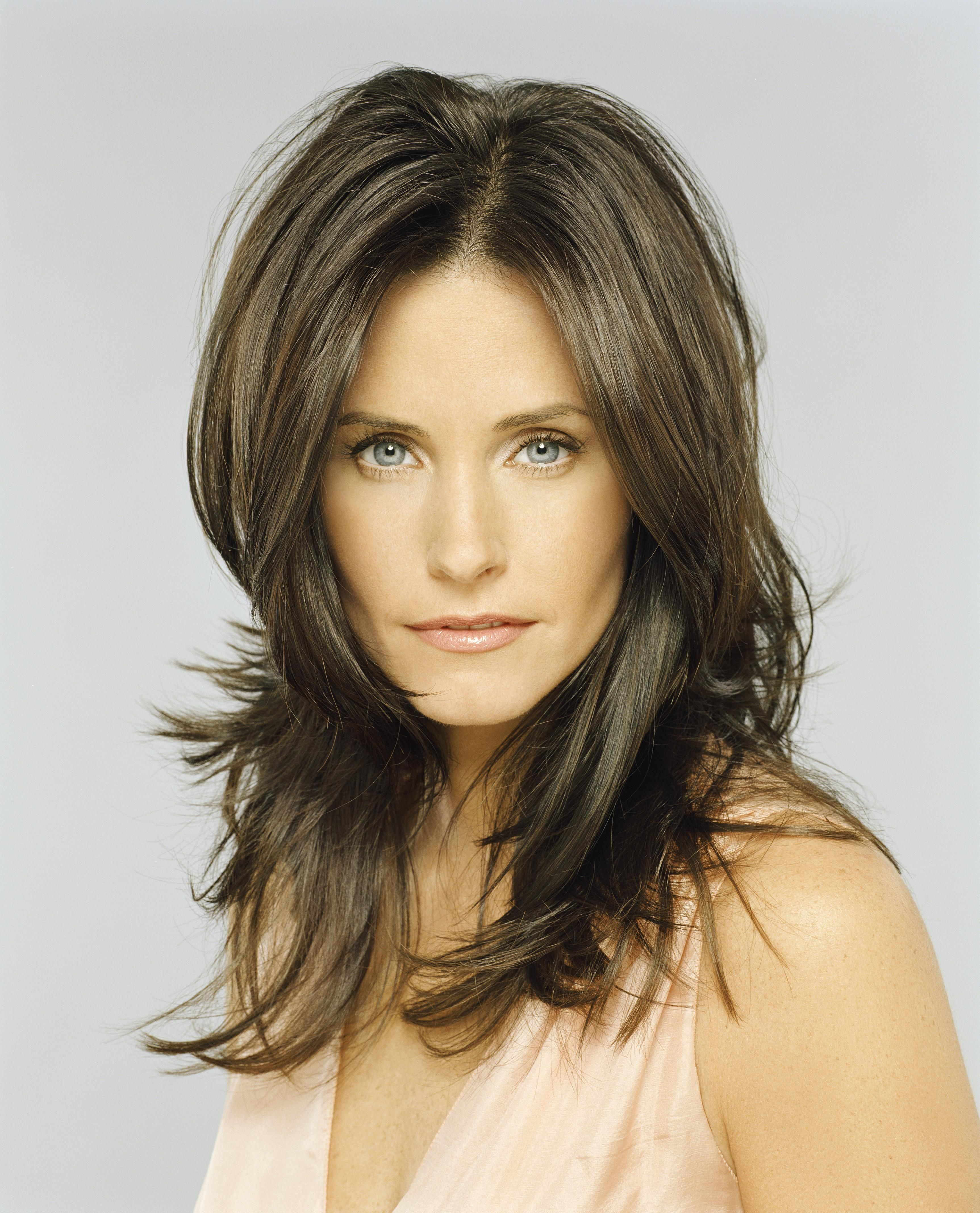these photos prove that courteney cox just gets hotter with age