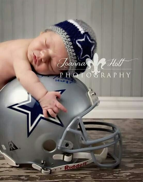 Not a Cowboys Fan but an adorable photo idea!