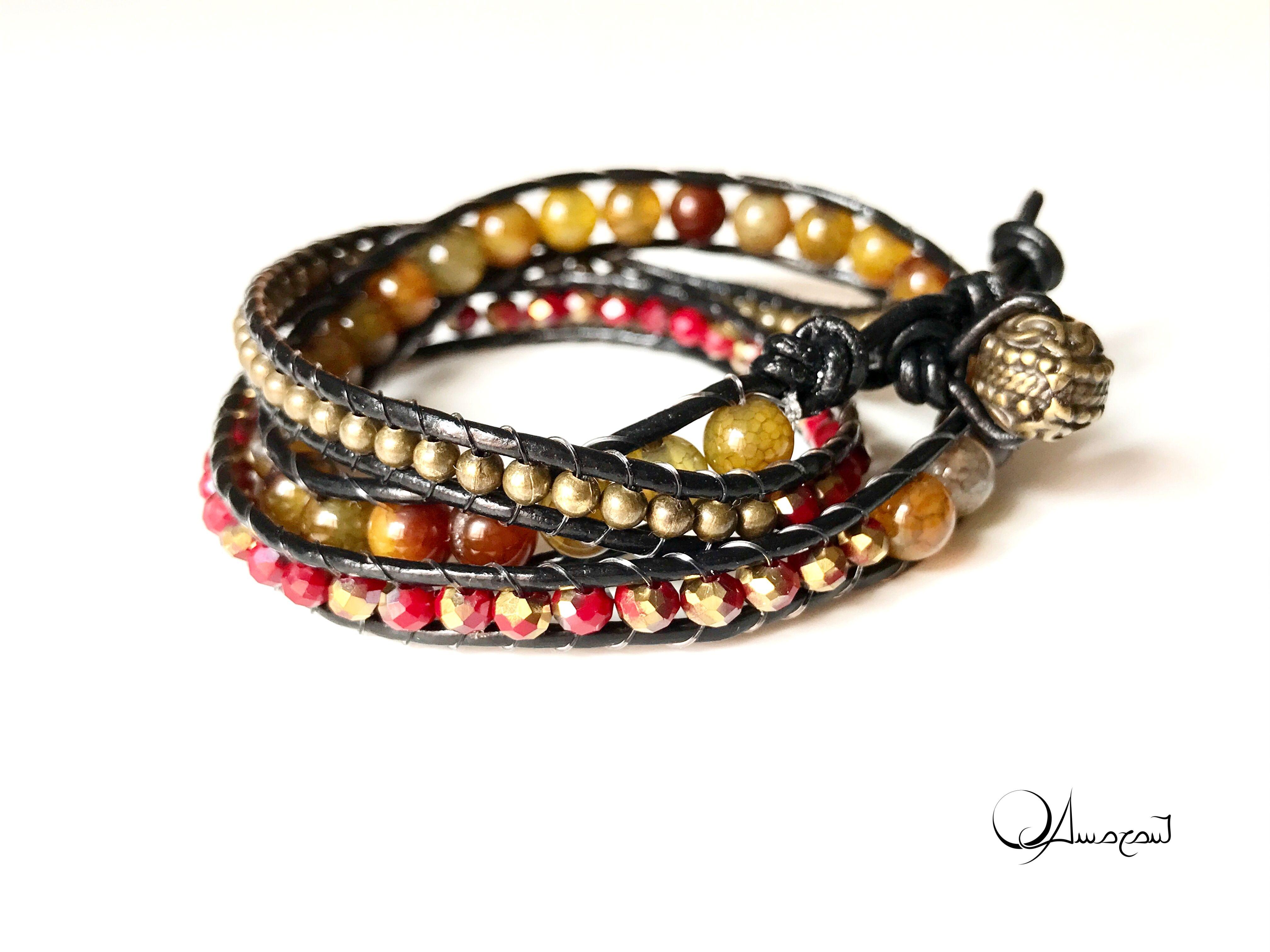 """Bracciale """"Amber agate"""" in chan luu, triplo giro, della serie """"Soul Stones Bracelets"""", in bronzo, cuoio, agata color ambra e mezzicristalli."""