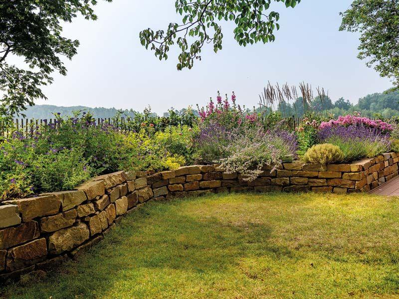 Landgarten Trockenmauer Aus Natursteinen Garten Gartengestaltung Landgarten