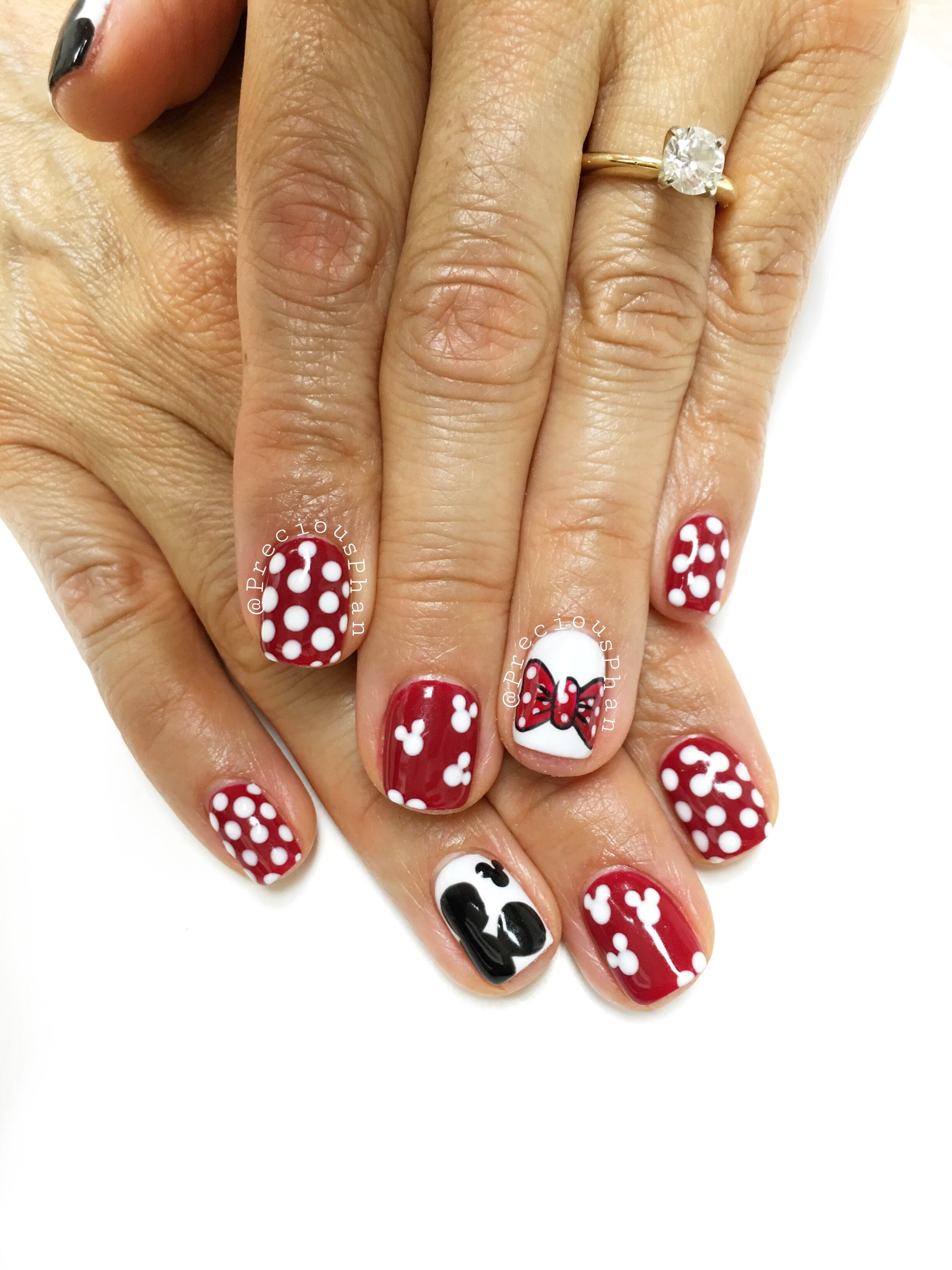 Disneyland nails. Mickey Mouse and Minnie Mouse bow. Polka dot nails ...