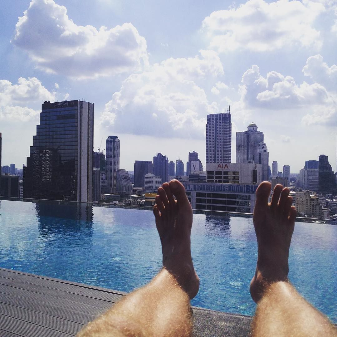 Tough day at the office #bangkok #worldcycle #travel #blogger #thailand #workinghard #thirtydegreesintheshade