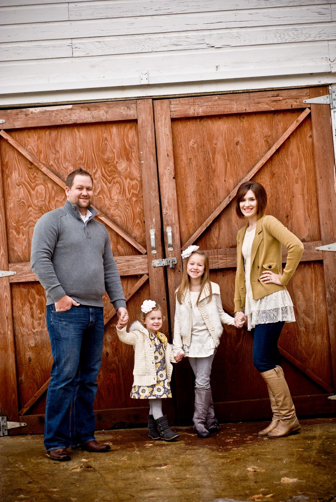 fall family picture clothing ideas | fall family photography outfit