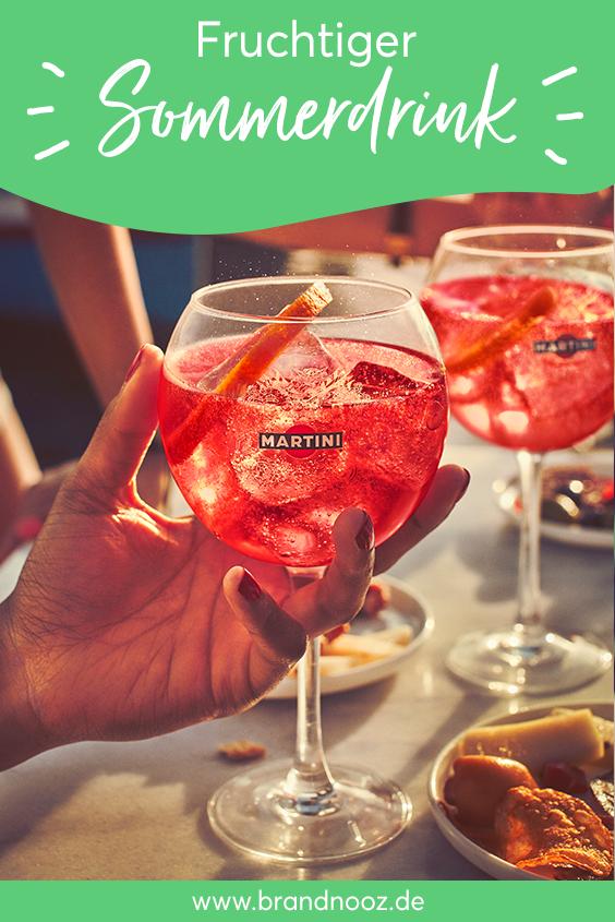 Fruchtiger Sommerdrink mit MARTINI