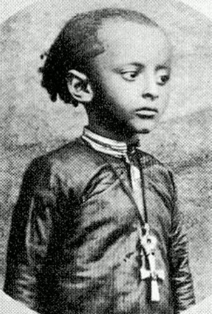 """Collected Trivia About """"The Knowing"""" Video Directed By Mikael Colombu 