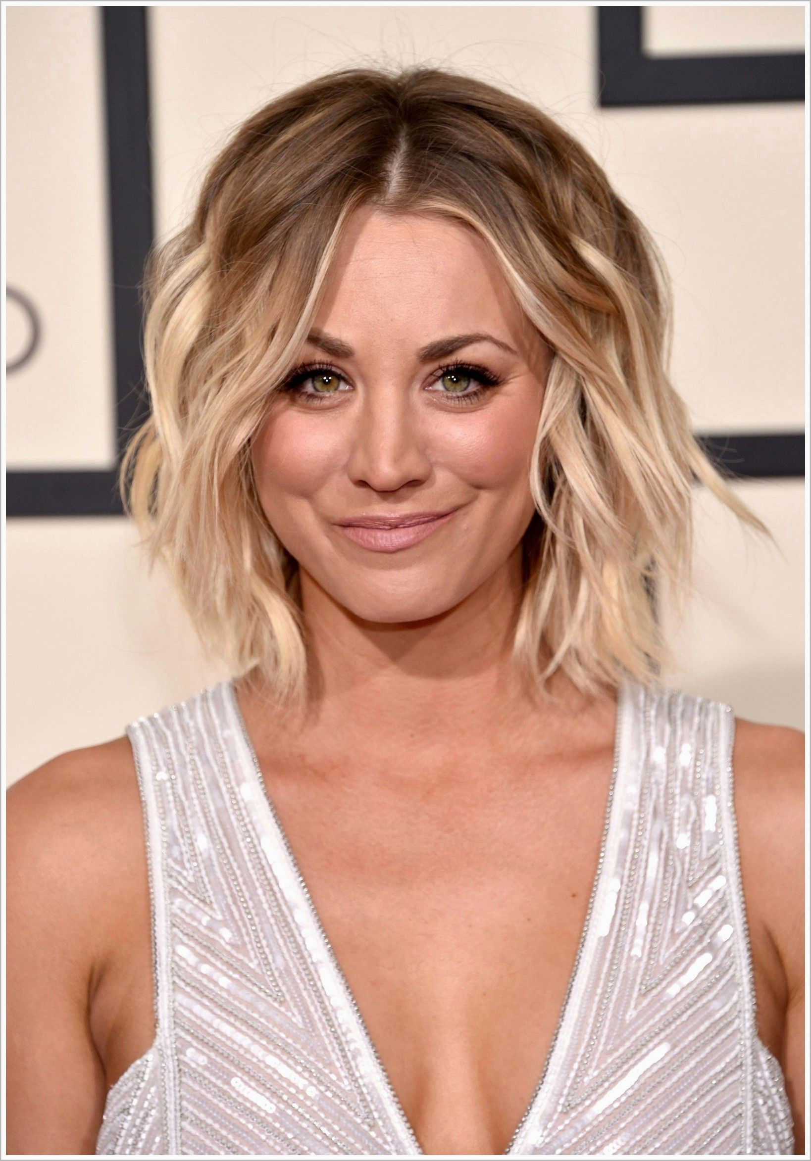 Awesome Frisuren Bob Fransig Awesome Bob Bobfrisurenfransig Fransig Frisuren Cool Hairstyles Long Hair Styles Kaley Cuoco Hair