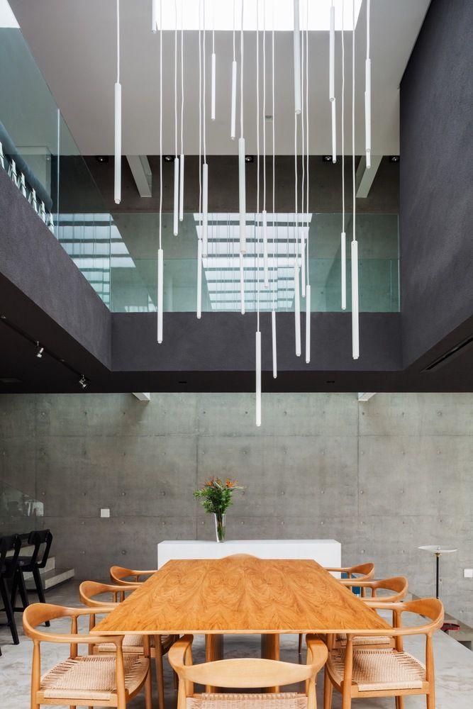 Galeria De Casa Mattos Fgmf Arquitetos 15 Double Height Living Room Double Height Dining Room Void Design Double height dining room design