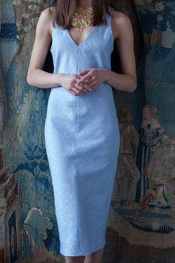 Elegantes Kleid mit V-Ausschnitt / Schnittmuster im Maßstab 1:5 (Gr 38) mit Textanleitung