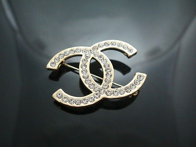3bf105c6dcf I need a Chanel brooch to Instantly make any outfit look more  chic/expensive.