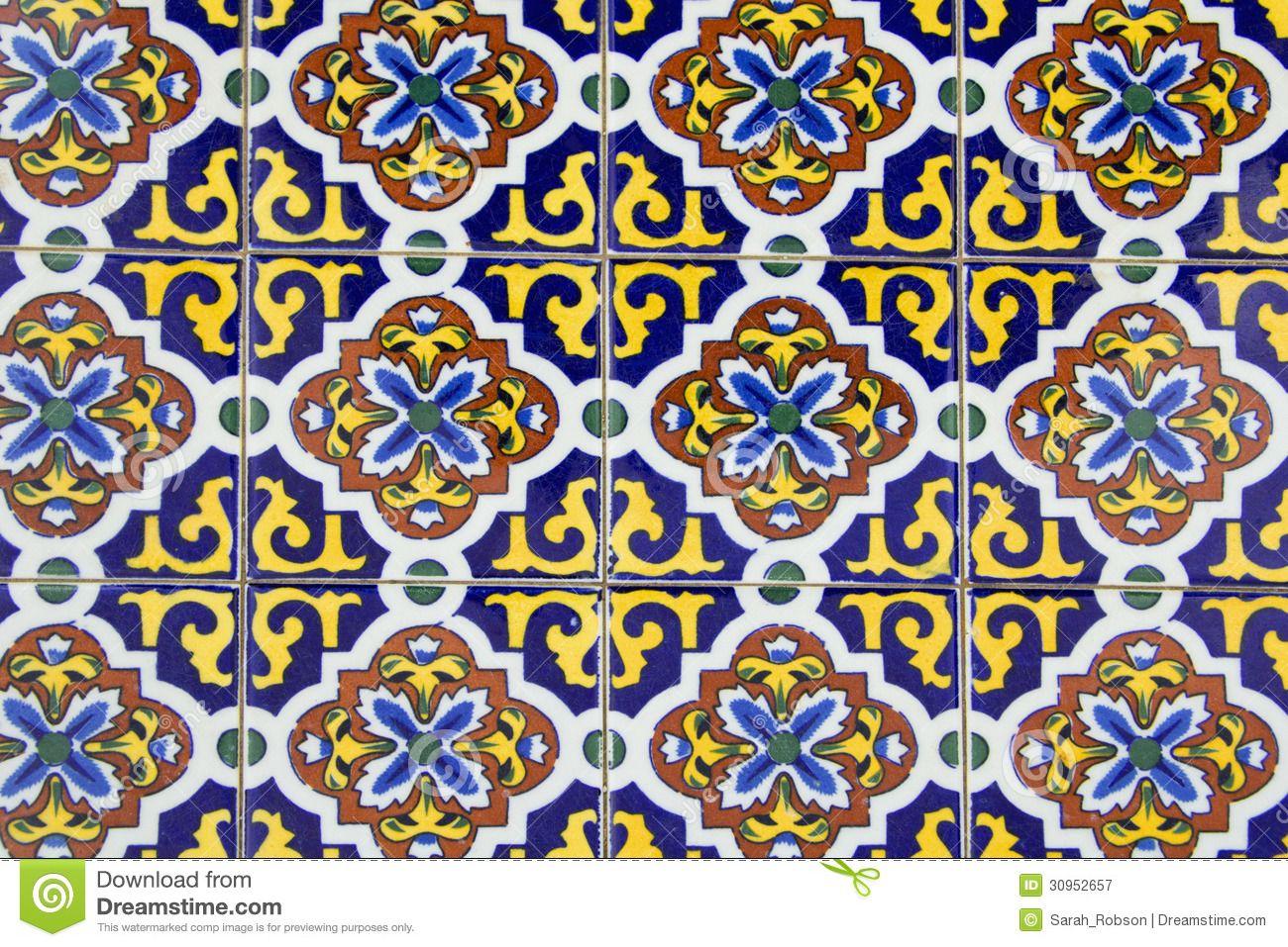 Azulejos sevillanos para patios buscar con google for Azulejos para patios