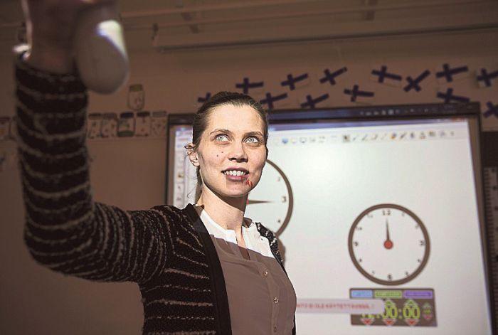 Opettaja Eeva Karjula arvioi oppilaansa niin, että tarvittaessa hän pystyy perustelemaan arvosanan oppilaalle ja vanhemmille.