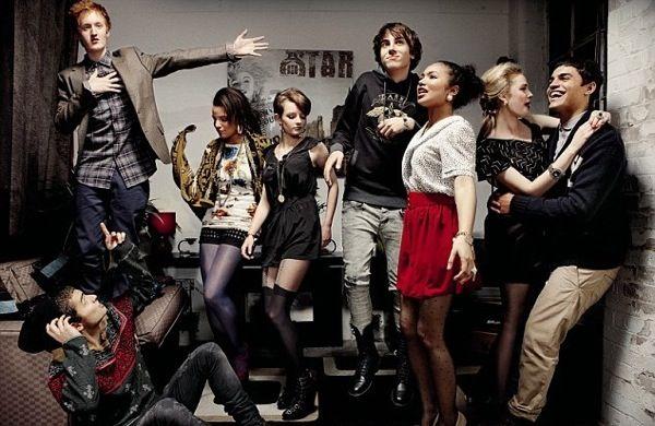 Série adolescente britânica Skins terá sua última temporada em 2013 e alguns convidados dos primeiros anos!