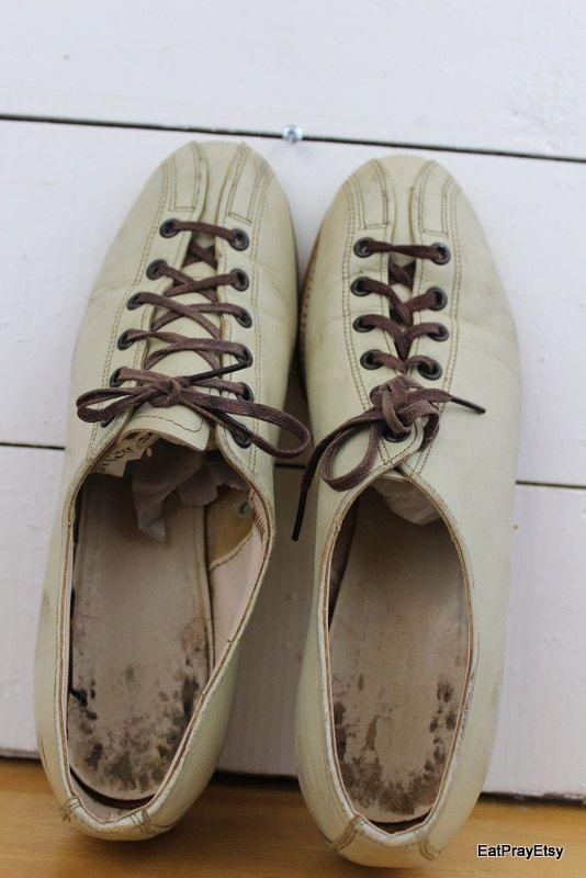 Vintage Womens Brunswick Bowling Shoes 75 USA by EatPrayEtsy