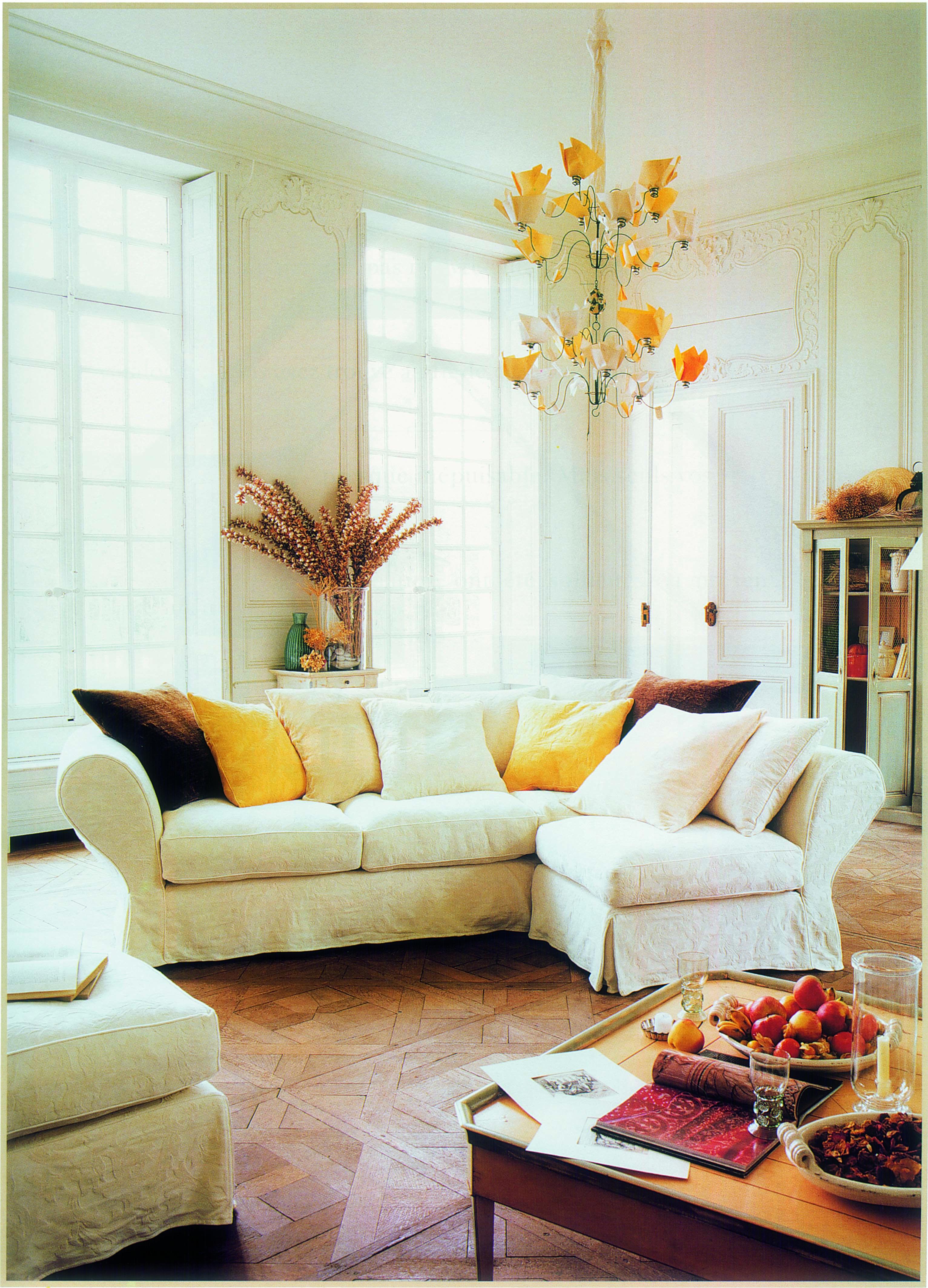 Roche Bobois Les Provinciales Collection Now Known As The Nouveaux Classiques At The Time Of Its Launch In The 1980s Rochebobois Chaisse Salon