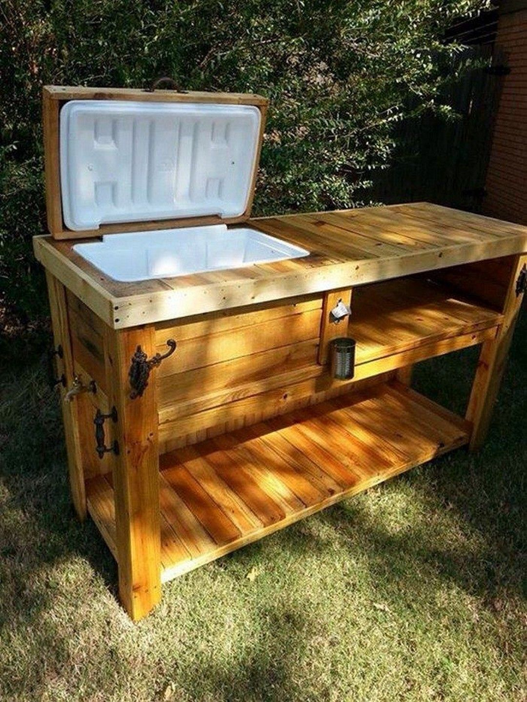 30 Great Outdoor Diy Project Http Alladecor Com 2019 04 05 30 Great Outdoor Diy Project Pallet Bar Diy Rustic Outdoor Kitchens Wooden Ice Chest