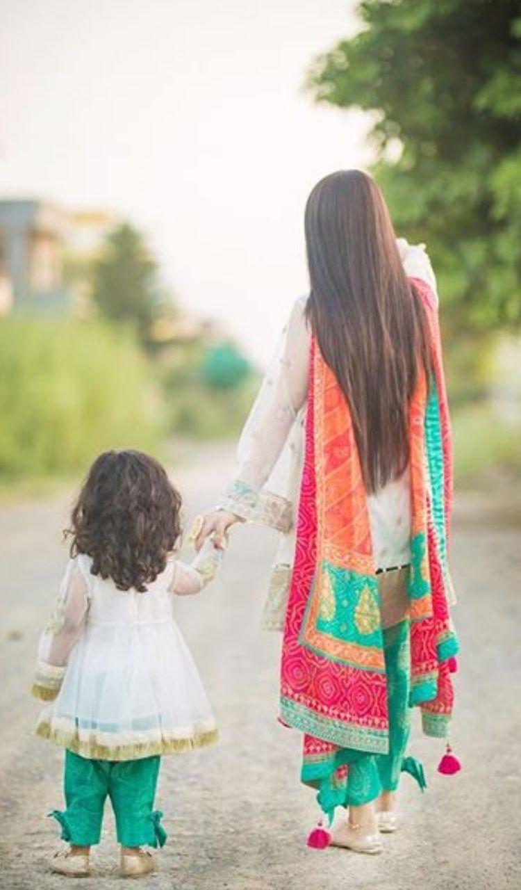 Beutiful Pakistani Wedding Outfits Mother Daughter Fashion Mom