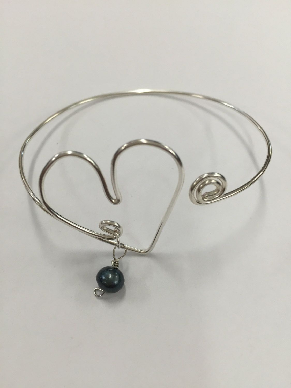 Silver Wire Heart Fresh Water Pearl Bangle Bracelet by GiftsbyKarenM on Etsy