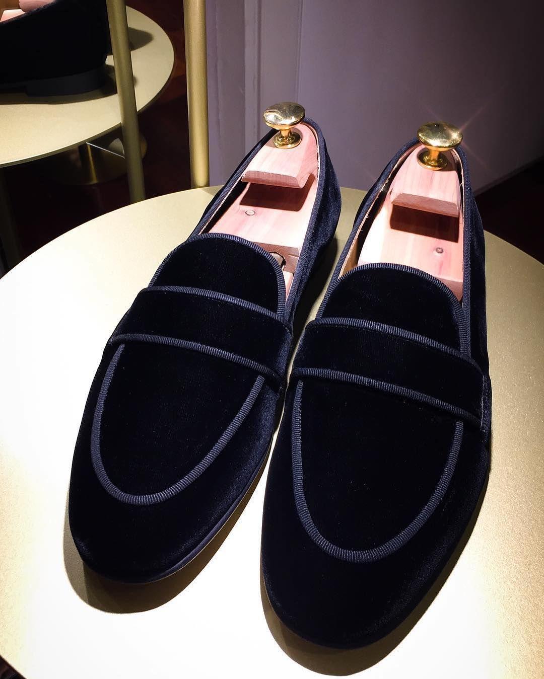 Mens velvet slippers