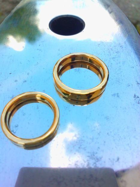 von Hand geschmiedete Eheringe Hand forged wedding rings