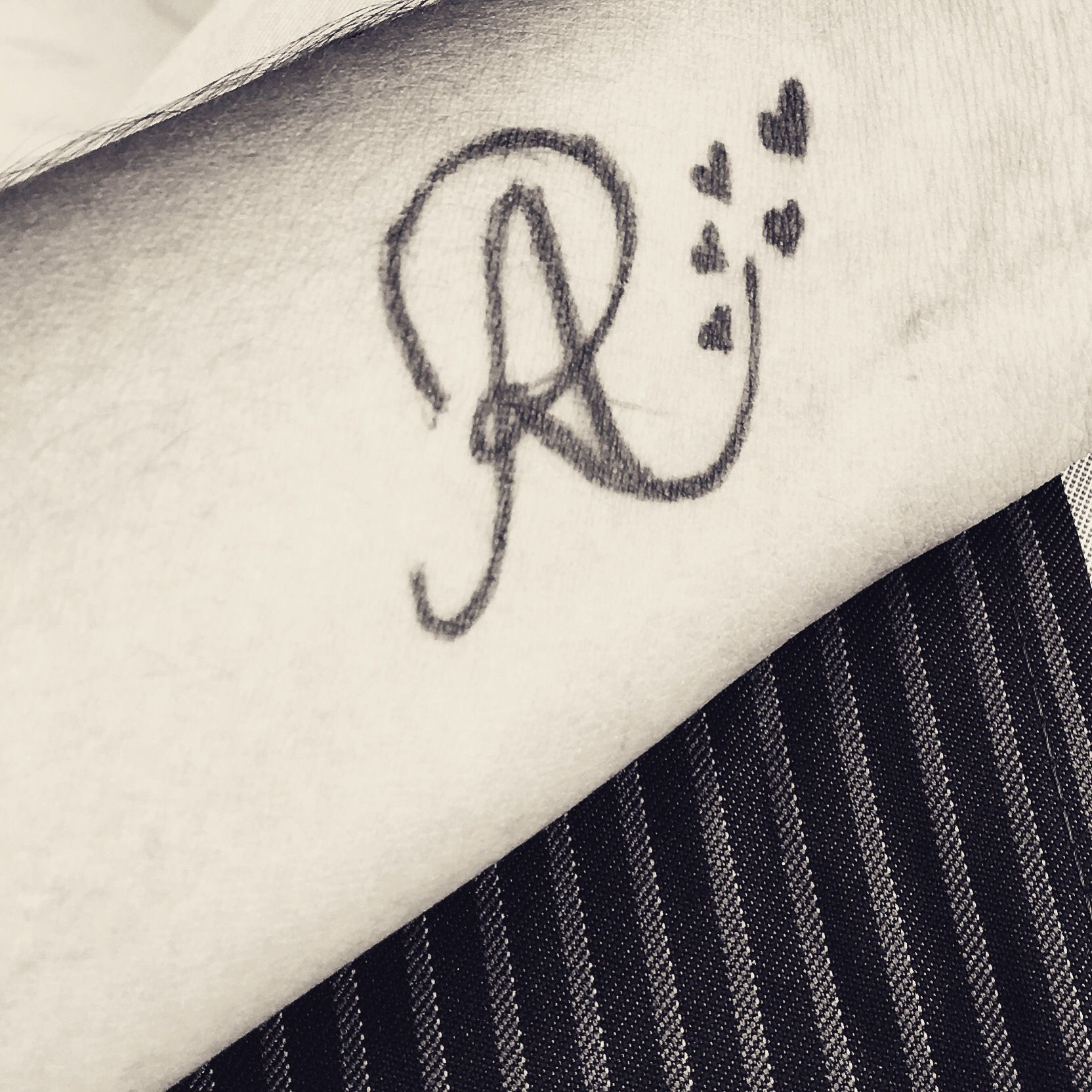 Relationship Love Letter R Tattoo With Heart Letter R Tattoo Alphabet Tattoo Designs Tattoo Lettering Alphabet R name tattoo wallpaper