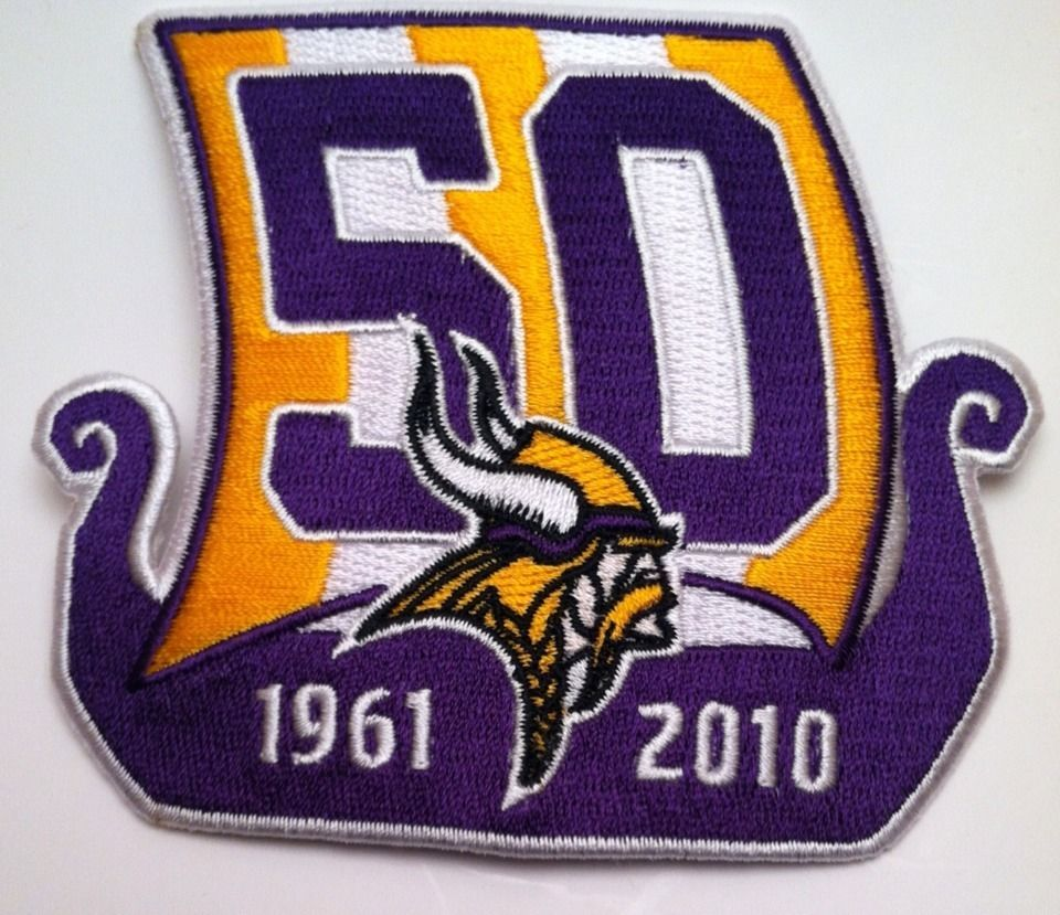 """Minnesota Vikings vintage embroidered iron on Patch Lot 3/"""" x 3 3 .5"""" x 2"""