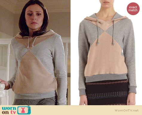 April's grey and beige colorblock hoodie on Chasing Life.  Outfit Details: http://wornontv.net/35952/ #ChasingLife