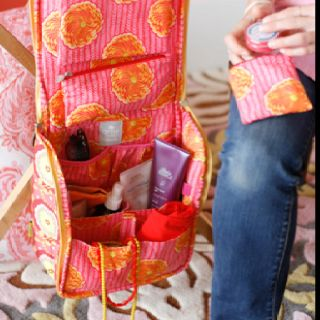 sweet traveler- ultimate toiletry bag--this is apparently not available as a pattern. :(