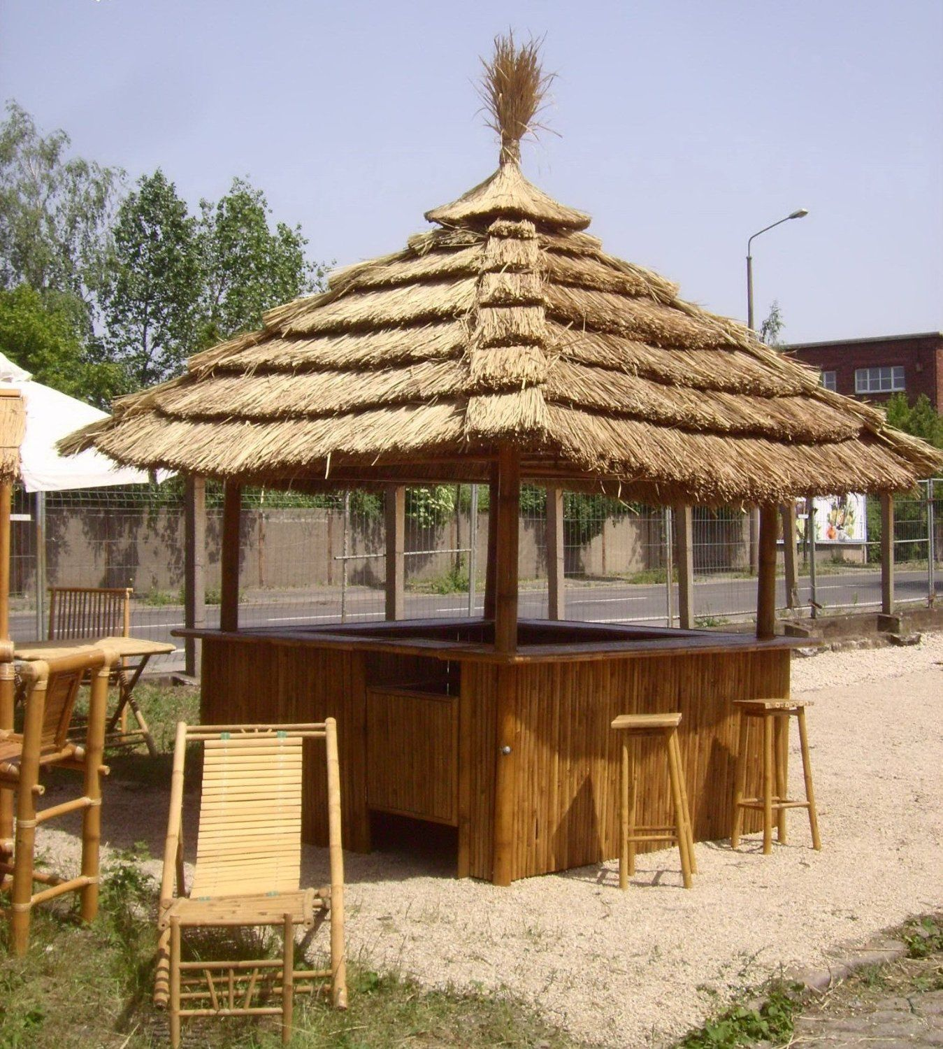Tiki Bar 360 Degree   Tropical Kiosk With 8 Bar Stools U0026 Thatch Roof