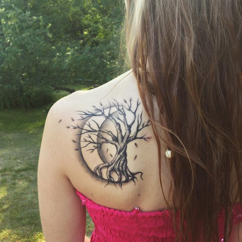 Tree Tattoo With Crescent Moon Shoulder Tattoos For Women Cool Shoulder Tattoos Tattoos For Women
