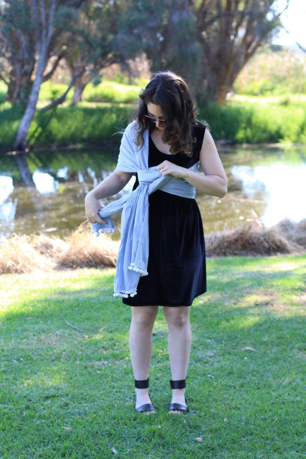 Tutorial How to make and wear a Rebozo style baby carrier