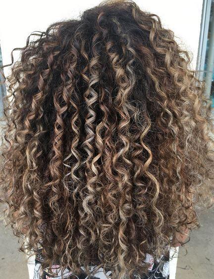 Genoeg balayage | Mane Interest | Curls - Haar, Krullend haar en Haar kleuren &JF43