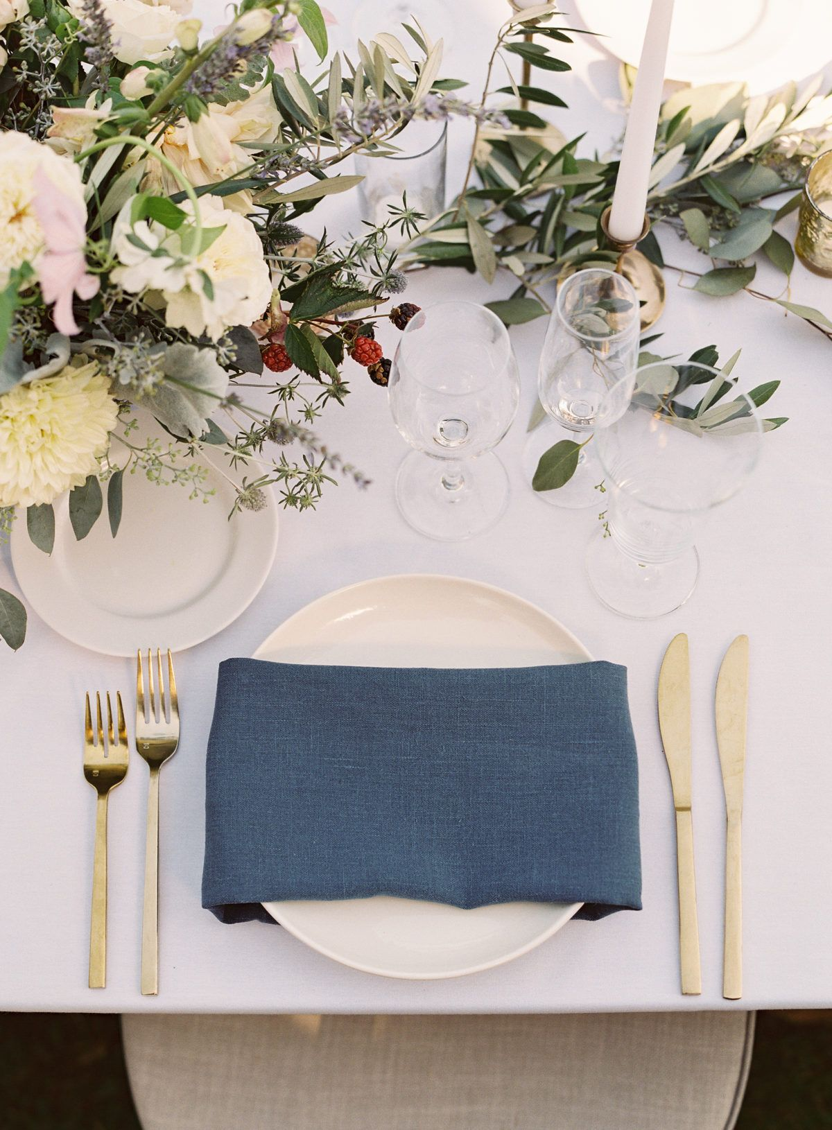 Finding the Most Picturesque Wedding Venue Via Pinterest #gedecktertisch
