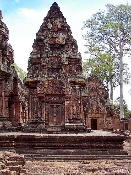 Banteay Srey, temple in Cambodia. Every line is well-balanced, every angle is magnetic. www.victortravelblog.com/2012/03/14/banteay-srey-temple-cambodia/