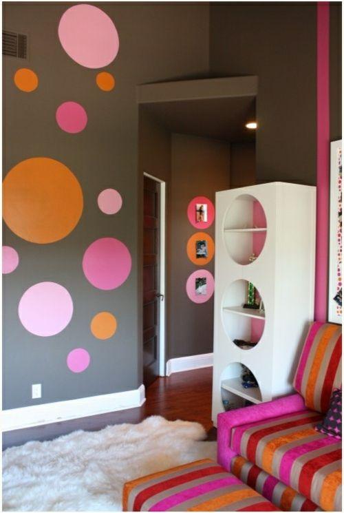 Kinderzimmer ideen gestaltung wände streichen  Kinderzimmer wandgestaltung idee design tafel bunt punkte ...
