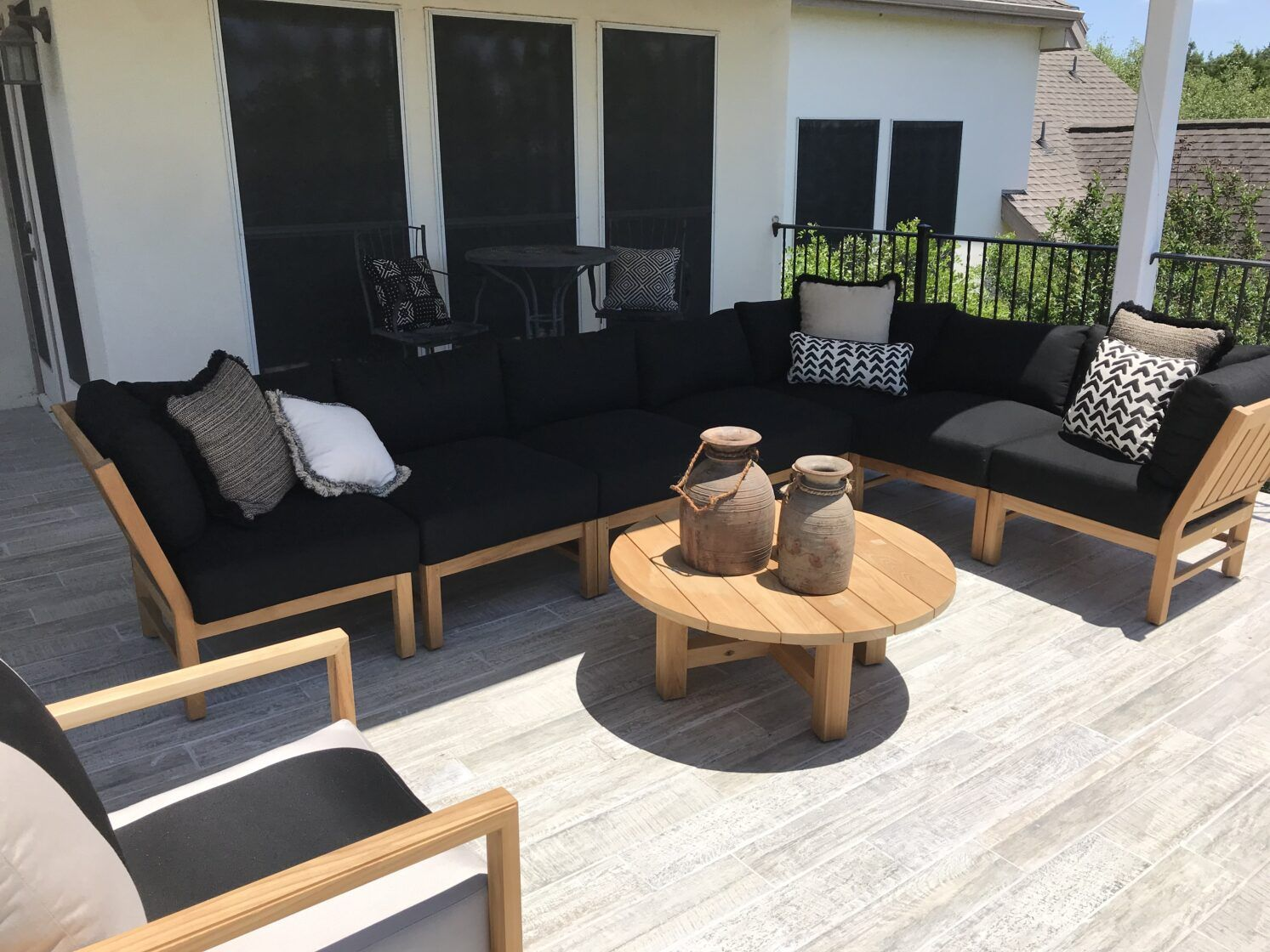 Pool Designs With Personality Summer Classics Home Patio Lounge Furniture Teak Patio Furniture Outdoor Furniture Design