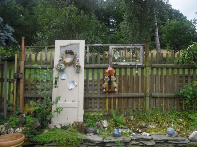 Alte Tür Deko garden shed built repurposed vintage doors and windows bebe