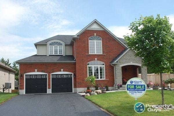 Private Sale 14 Cyril Richardson Court Uxbridge Ontario Propertyguys Com House Styles Ontario Stouffville