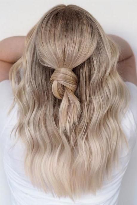 11 Flattering Blonde Hair Colors If Your Skin Is Cool-Toned #champagneblondehair