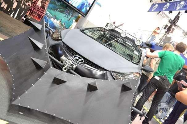 Comic-Con 2012 Show Floor Photos Photo Gallery - G4tv.com