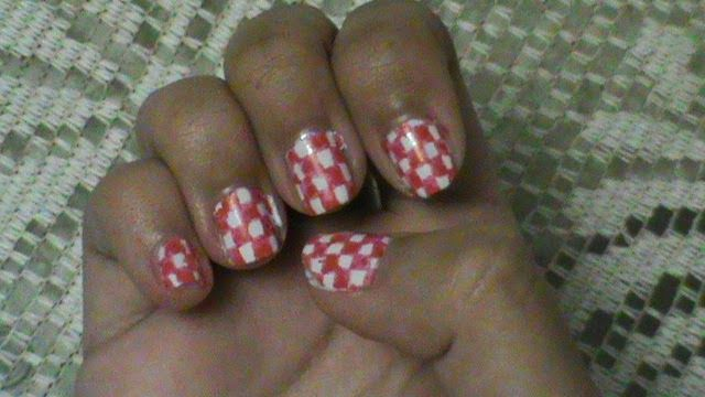 As unhas de meu mundo: Unhas tabuleiro (Vermelho)