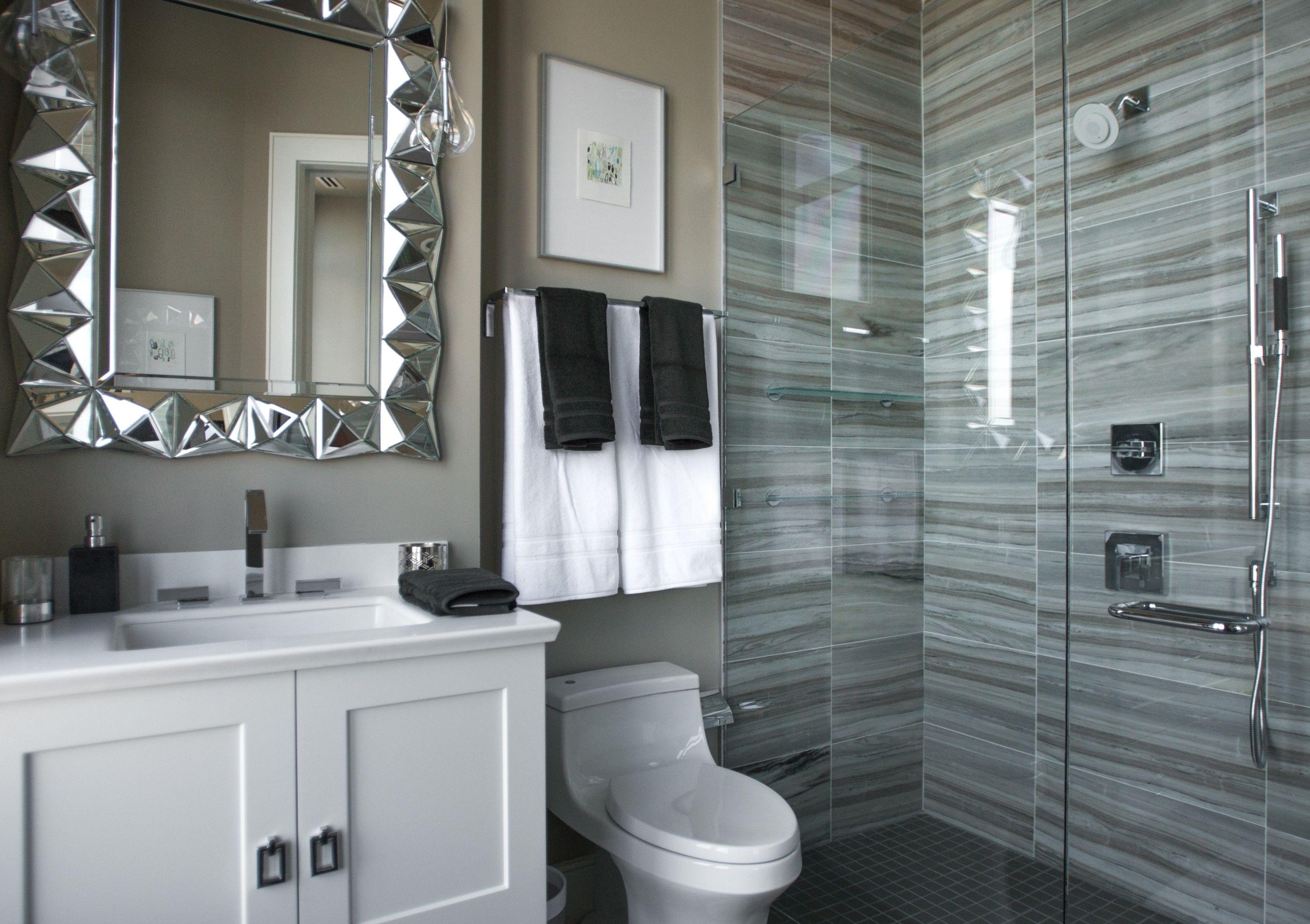 Impress Your Visitors With These 14 Cute Half Bathroom Designs Guest Bathroom Design Eclectic Bathroom Bathroom Decor Themes